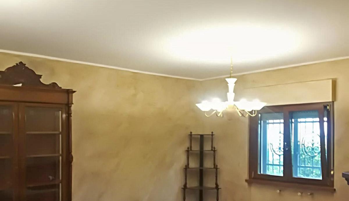 pitture-decorative-ristrutturazioni-edili-latina-salotto-lampadario
