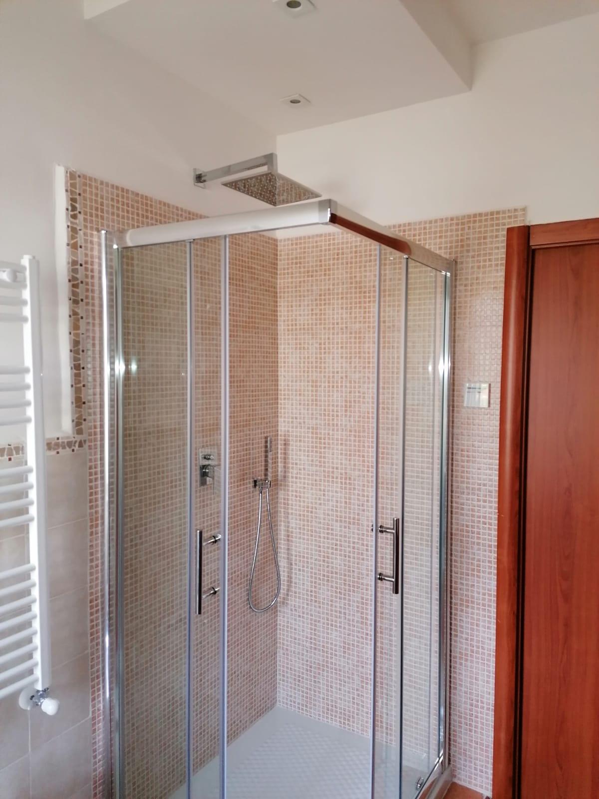 ristrutturazione-bagni-latina-edil-leggeri-doccia