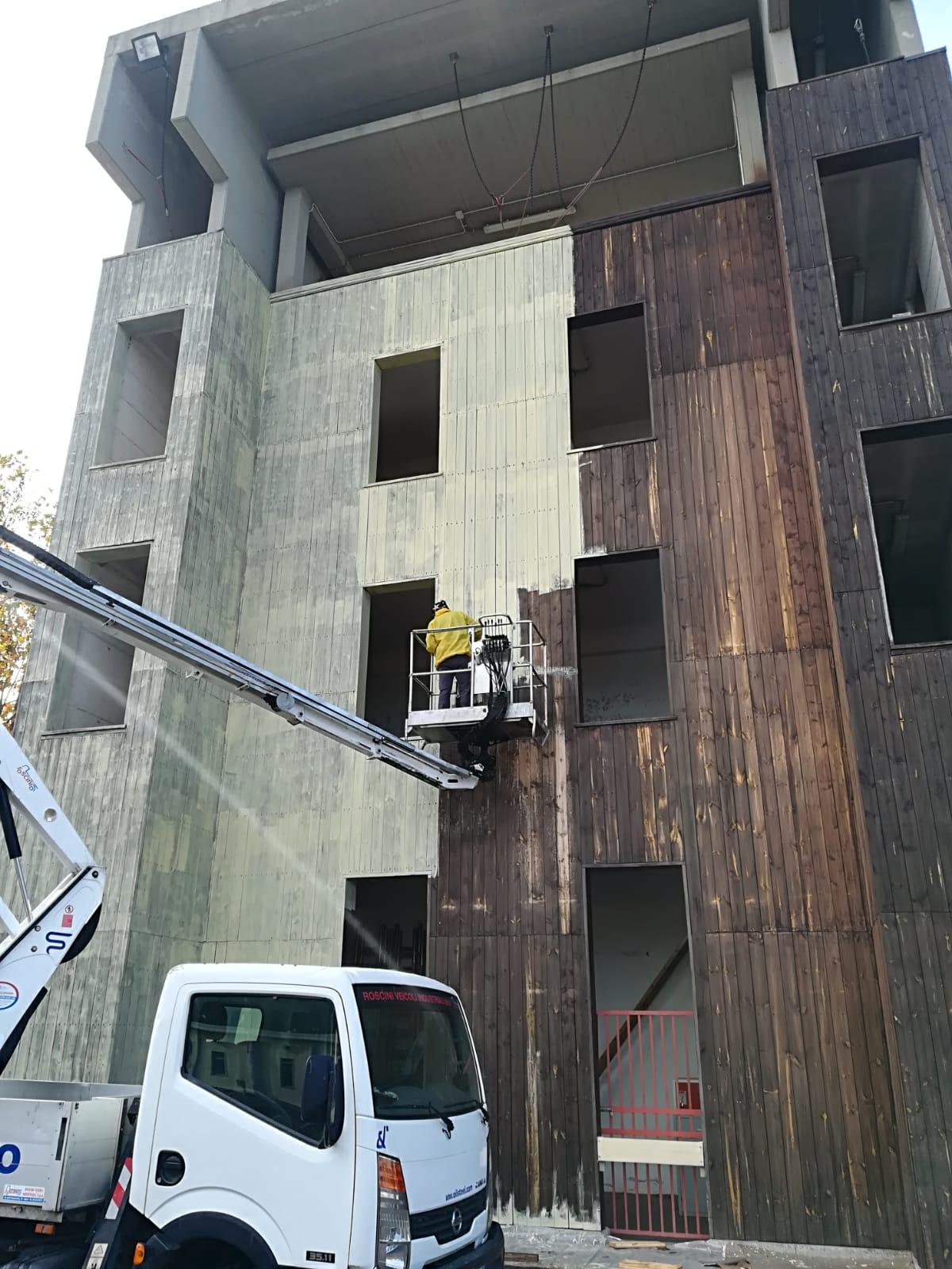 tinteggiatura-esrterno-edil-leggeri-palazzo