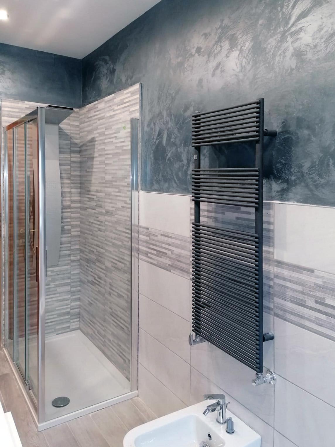ristrutturazione-bagni-latina-edil-leggeri-termosifone-muro-doccia